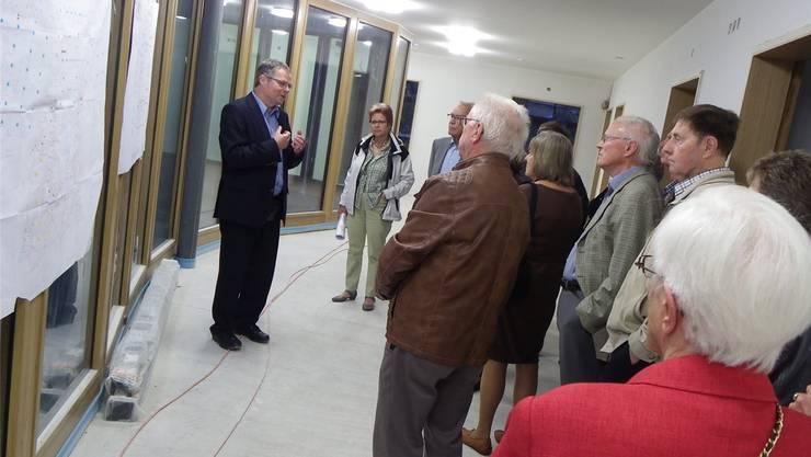 VAOF-Geschäftsführer André Rotzetter informiert über den Bau der Demenzabteilung.