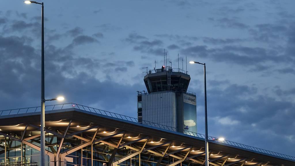 Privatflugzeug landet am EuroAirport mit Brand an Bord