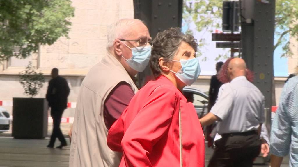 Maskenpflicht im ÖV von Politikern und Wissenschaftlern gefordert
