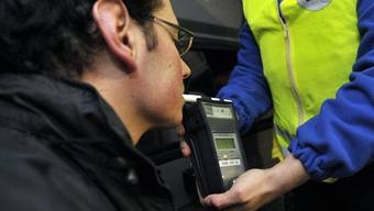 In Frankreich müssen Autofahrer ab 1. Juli einen eigenen Alkoholtest dabei haben.