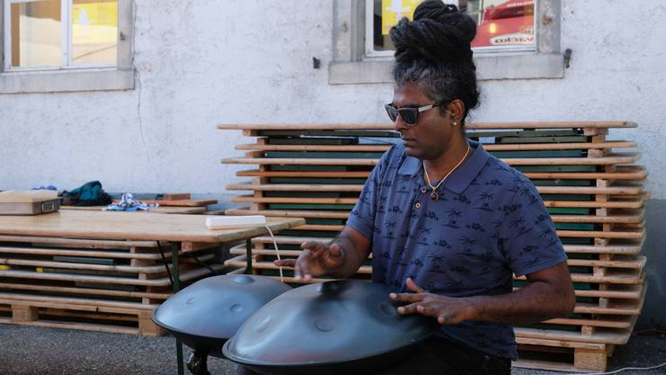 Roshan Silva zog mit dem Klang seiner Hang viele in den Bann.