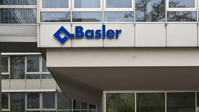 Logo der Basler Versicherung in Basel (Archiv)