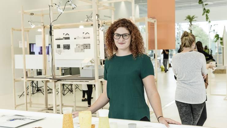 Der «Festival-dopper» von Christine Baumann ist Wasserflasche, Festivalbecher und Lichtkörper in Einem - und aus biologisch abbaubarem Material. Ihre Arbeit ist in der Ausstellung «Next Generation» auf dem Dreispitz-Areal zu sehen.