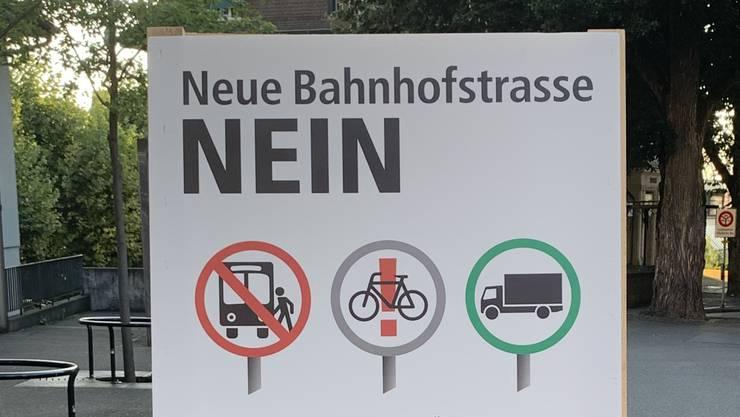 Eines der Plakate der vier Lenzburger Parteien SP, CVP, GLP und Grüne.