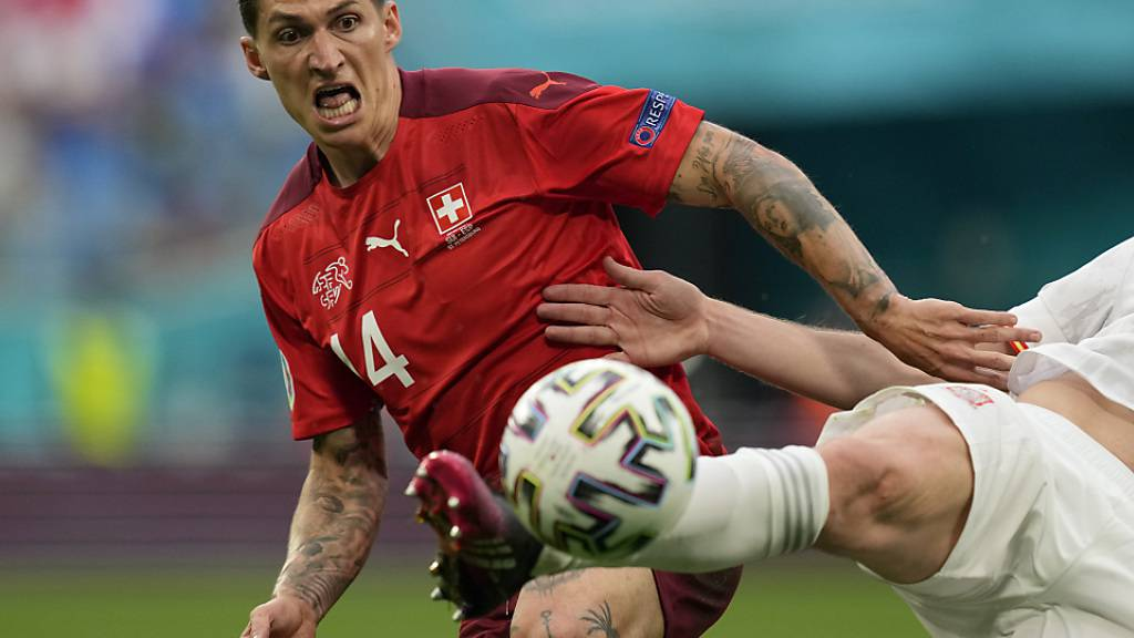 Steven Zuber (links) gab an der EM gleich vier Vorlagen zu Schweizer Toren, doch bei seinem Klub Eintracht Frankfurt hatte er zuletzt einen schweren Stand