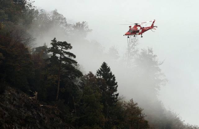 Im Raum Lopper bei Alpnachstad im Kanton Obwalden stürzt eine zweisitzige F/A-18 der Schweizer Luftwaffe ab.