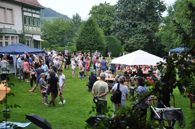 Die 1. Augustfeier bei der Villa Langmatt zog Gross und Klein an