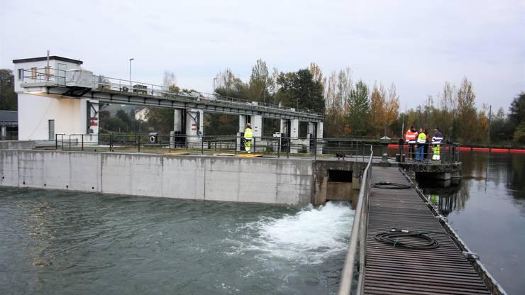 Nach eineinhalb Jahren fliesst die Limmat wieder durch den Oberwasserkanal.