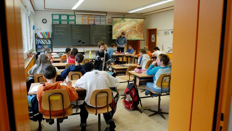 Grindel, Bärschwil und Kleinlützel wollen einen gemeinsamen Schulkreis bilden und einen gemeinsamen Schulleiter (Geleitete Schule) suchen.