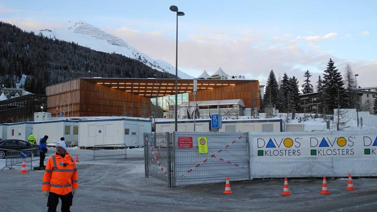 Weiträumig Abgesperrt - hier im Davoser Kongresszentrum debattieren die WEF-Teilnehmer.