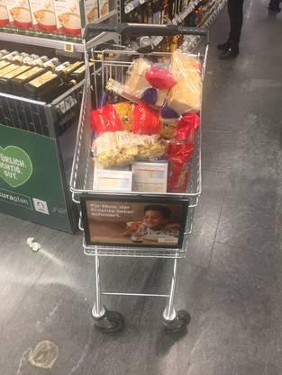 Wenn das Virus um sich greift: Einkaufswagen gefüllt mit Pasta.