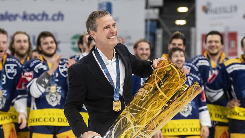 Der Zuger Trainer Dan Tangnes will auch in der Champions Hockey League jubeln