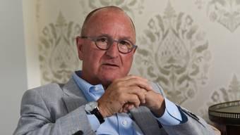 Alleine auf weiter Flur: Der Baselbieter FDP-Präsident Paul Hofer regiert ohne Hausmacht.