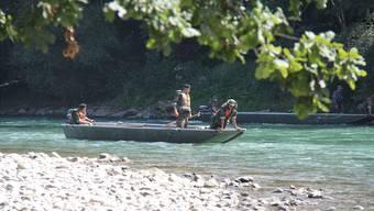 Die Armee half im August 2012 mit Booten bei der Suche nach dem vermissten Schüler in Bremgarten – dieser wurde später tot aus der Reuss geborgen.