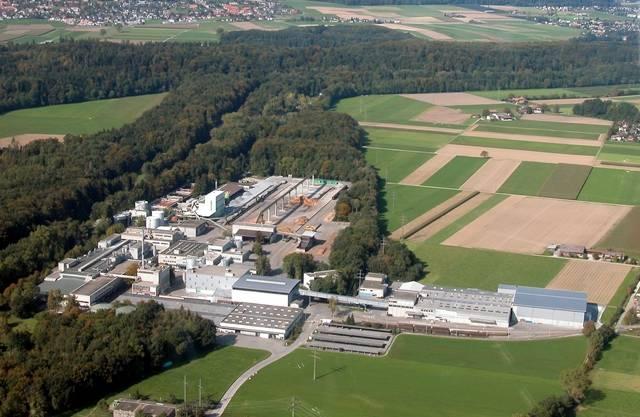 In der Papierfabrik Utzensdorf werden pro Jahr rund 260'000 Tonnen Altpapier verarbeitet