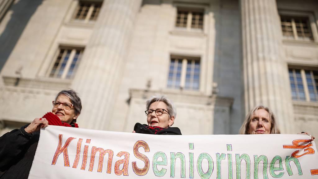 Seniorinnen ziehen mit Klimaklage nach Strassburg