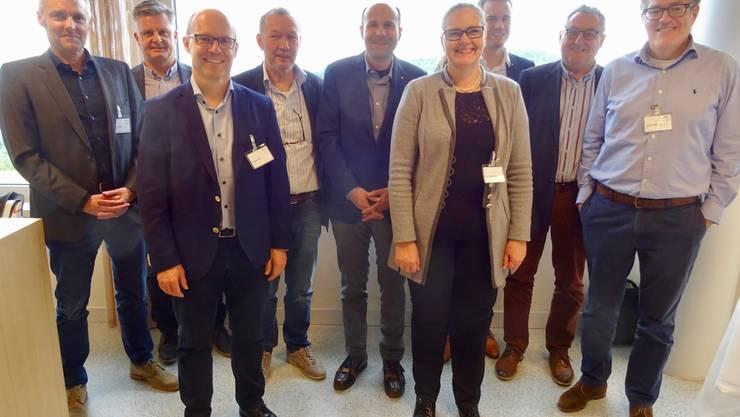 HIVA-Vorstand mit allen gewählten und zurückgetretenen Mitgliedern