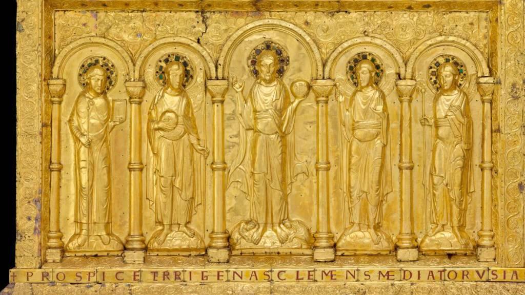 Höhepunkt der Ausstellung «Gold & Ruhm - Geschenke für die Ewigkeit» ist die tausendjährige goldene Basler Altartafel, die jetzt zur Sammlung des Musée de Cluny in Paris gehört.