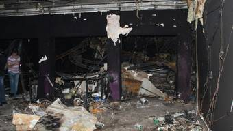 Ein Bild der Zerstörung - der Nachtclub Kiss nach dem verheerenden Brand (Archiv)