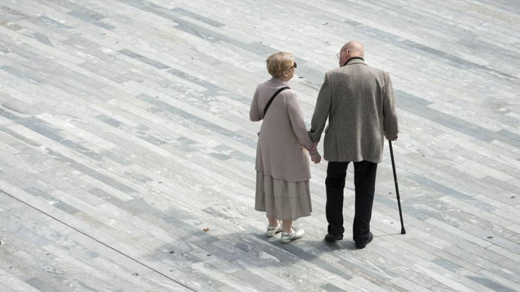 Wo die Sonne scheint, sind die Lebensabende länger: Frauen haben in Spanien die höchste Lebenserwartung, Männer in Italien. Die Sonnenstube Tessin - traditionell bevorzugtes Asylland im Ruhestand - steht europaweit auf Platz drei der Regionen mit der höchsten Lebenserwartung. (Symbolbild)