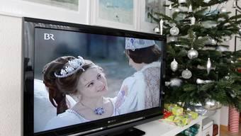 """Seit mehr als 40 Jahren ein TV-Weihnachtshit: Der deutsch-tschechische Märchenfilm """"Drei Nüsse für Aschenbrödel"""". (Archivbild)"""