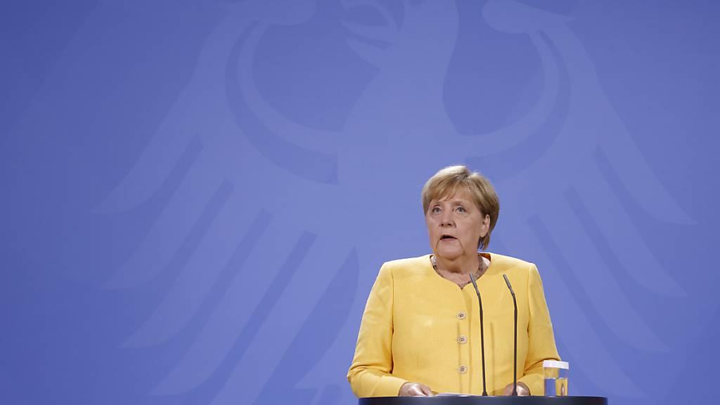 Bundeskanzlerin Angela Merkel (CDU) spricht bei einer Pressekonferenz im Kanzleramt über die aktuellen Entwicklungen in Afghanistan. Foto: Odd Andersen/AFP POOL/dpa