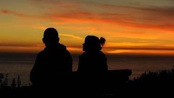 Liebesromane vermitteln oft ein idealisiertes Bild von Beziehungen