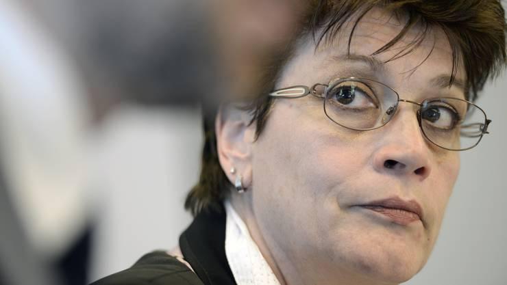 CVP-Regierungsratskandidatin Silvia Steiner an der Pressekonferenz vom Dienstag, 17. Maerz 2015. Sie bezeichnet das Flugblatt als Schmähschrift und hat bereits Strafanzeige eingereicht.