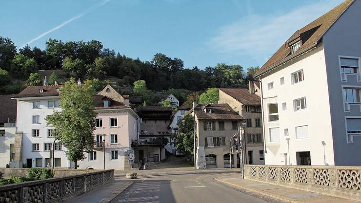 Die Vorstadt nördlich der alten Aarebrücke ist ein unverzichtbarer Teil des historischen Erbes der Brugger Altstadt.