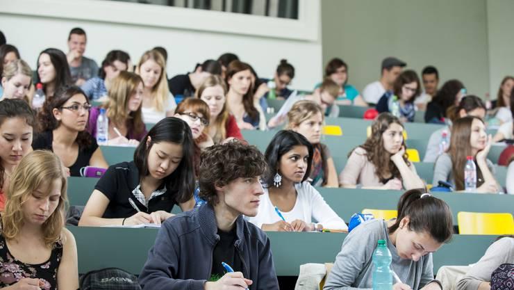 Die kantonsrätliche Bildungs- und Kulturkommission spricht sich für einen Beitritt zur Interkantonalen Universitätsvereinbarung aus. (Symbolbild)