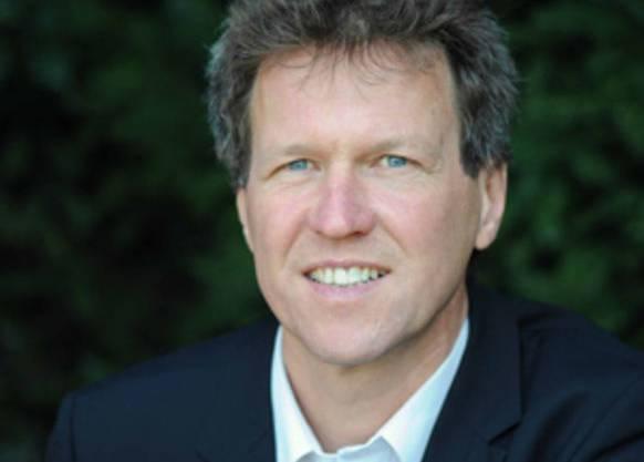 René Estermann ist seit 15 Jahren Geschäftsführer bei der Stiftung «myclimate». Er ist diplomierter Agraringenieur, studiert hat er an der ETH. Vor seiner Zeit bei «myclimate» arbeitete er selbstständig für die Firma «composto+».