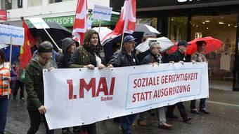 Die 1.-Mai-Feier in Baden war vom anhaltenden Regen gekennzeichnet. Der Marsch durch die Innenstadt war entsprechend um einiges kürzer als in den Vorjahren..jpg