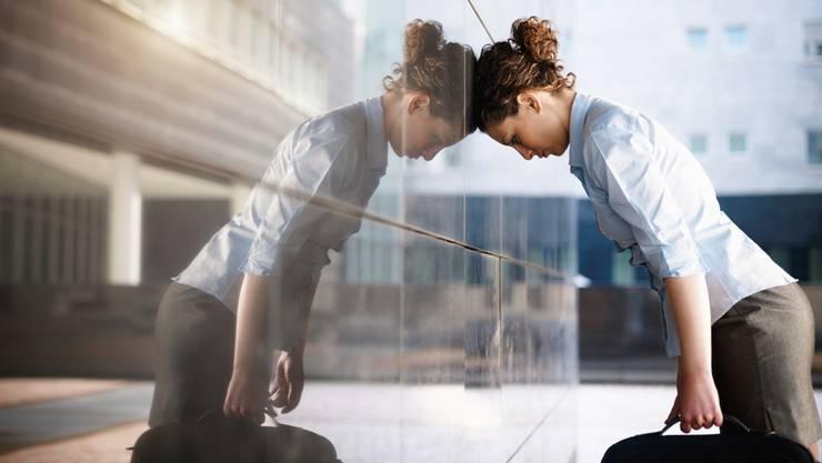 Körperliche Beschwerden bei psychisch erkrankten Menschen werden nicht immer ernst genommen. (Symbolbild)
