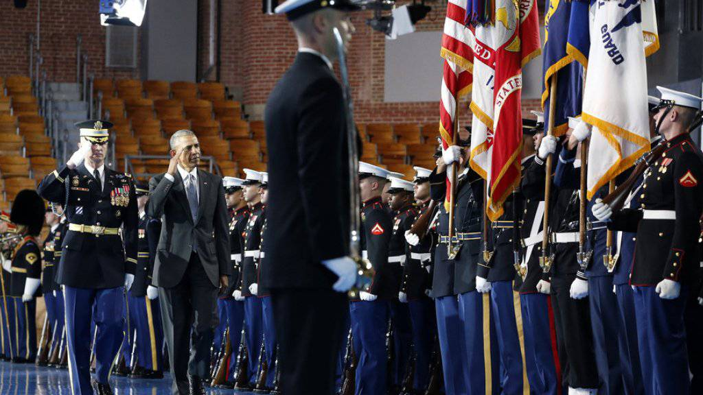 Präsident Barack Obama am Mittwoch in Arlington im US-Bundesstaat Virginia vor Vertretern aller Teilstreitkräfte.