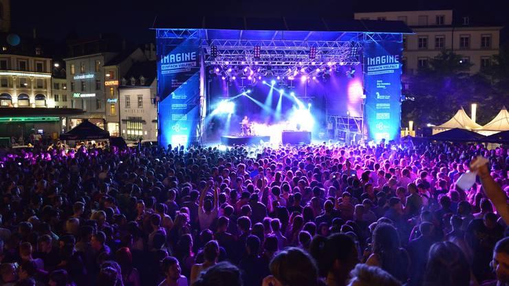 Imagine-Festival rund um den Basler Barfüsserplatz.