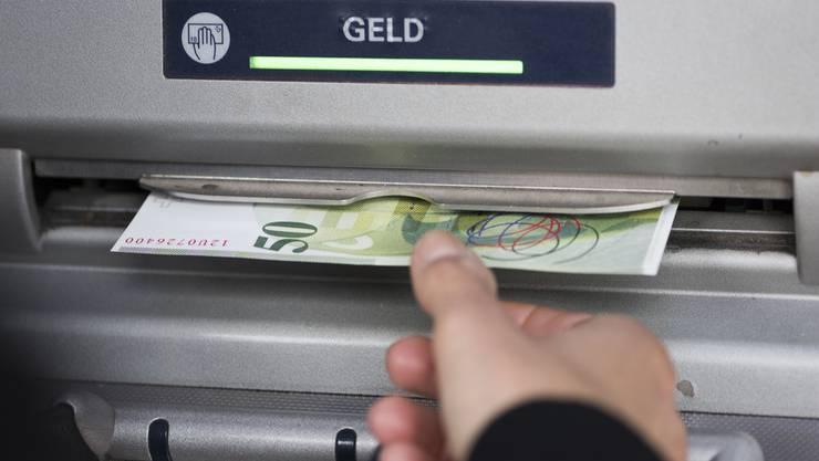 Bei einem Bancomat haben die Trickdiebe zugeschlagen (Symbolbild).