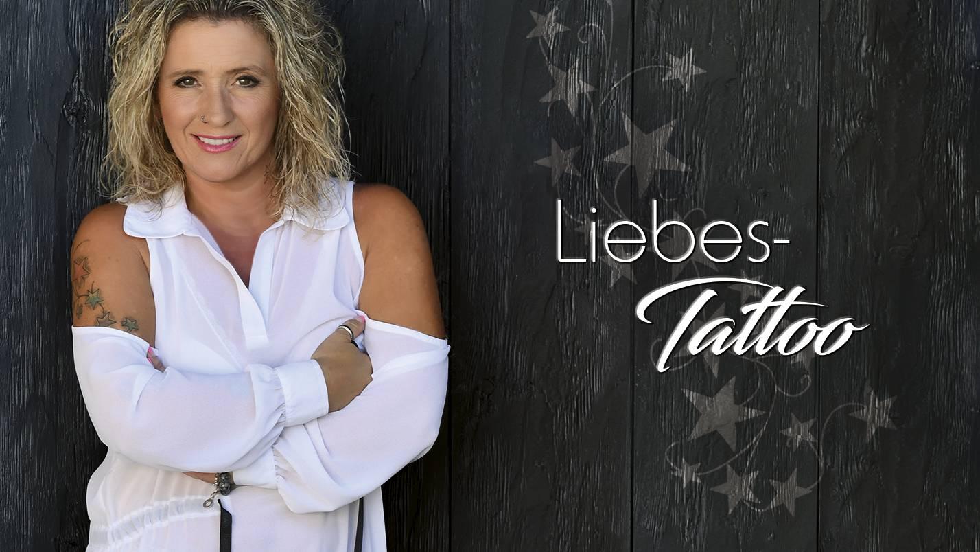 Daniela Alfinito - Liebes-Tattoo