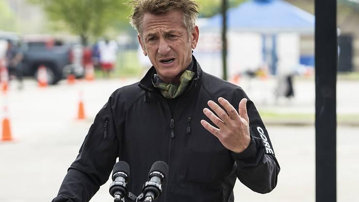 ARCHIV - Sean Penn, Schauspieler und Aktivist aus den USA, hat zum dritten Mal geheiratet. Foto: Ashlee Rezin Garcia/Chicago Sun-Times/AP/dpa