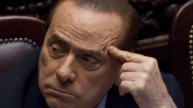 Berlusconi erlitt eine leichte Gehirnerschütterung