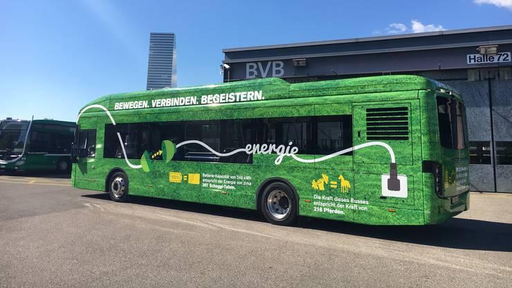 Der 12-Meter-Bus der BVB in Grasgrün verkehrt ab Montag, 15. Oktober.