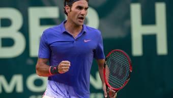 Roger Federer gewinnt das Auftaktspiel in Halle