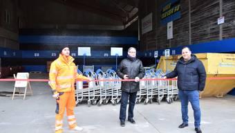 Sie freuen sich über die Eröffnung der neuen Privatannahme (von links): Renato Roth, Mitglied der Geschäftsleitung; René Grütter, Gemeindeammann; Goran Muratovic, Vorsitzender der Geschäftsleitung.