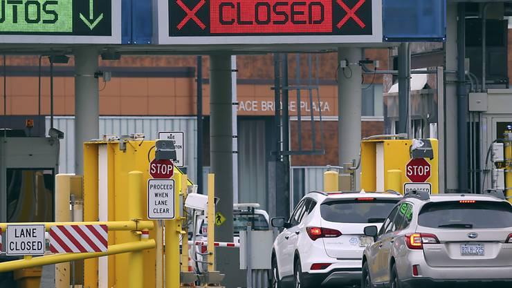 Die USA haben ihre Landesgrenzen zu Kanada und Mexiko weitestgehend geschlossen - der Warenverkehr soll nicht betroffen sein. (Symbolbild)