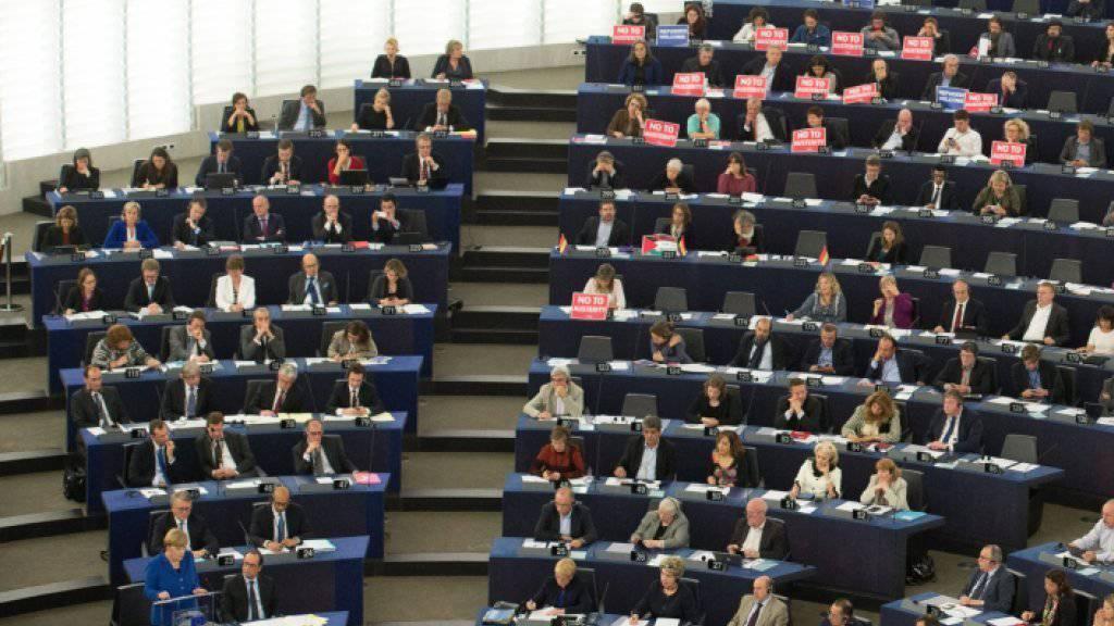 Sitzung des EU-Parlaments: Das Gremium hob am Mittwoch die Immunität eines ihrer ungarischen Mitglieder auf, das in seinem Heimatland verdächtigt wird, für Russland zu spionieren. (Archivbild)