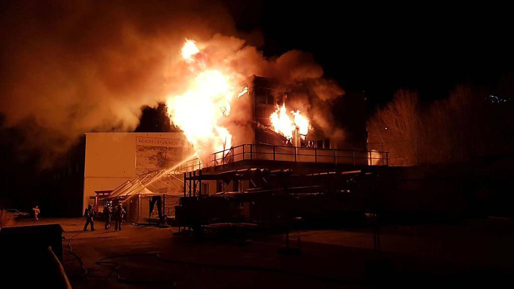 Gewerbegebäude mit Fischzucht in Klingnau AG ausgebrannt