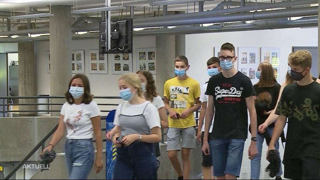 Rund 60 Schüler in Quarantäne: Kanton Solothurn verschärft Maskenpflicht in Schulen
