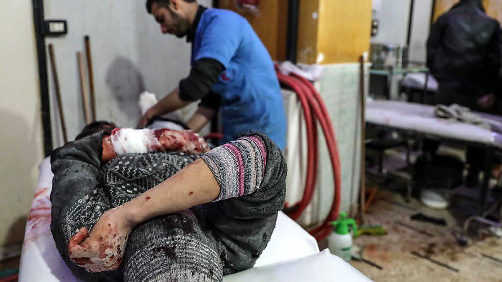Prekäre Versorgungslage: Bei Angriffen auf Ost-Ghuta im Zentrum Syriens gab es nach Angaben von Beobachtern innert 48 Stunden rund 250 Tote und über 1200 Verletzte.