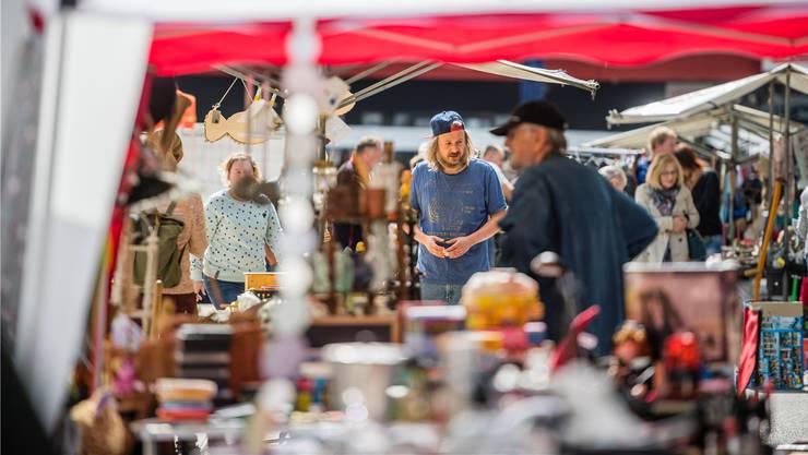 Am Schmelzi-Flohmarkt gabs stets Nützliches und Überflüssiges – je nach Sichtweise. (Archivbild)