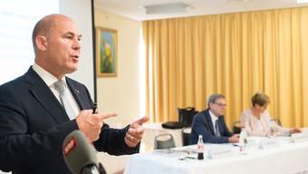 Als der Finanzdirektor Anton Lauber seine Planung fürs Budget 2017 präsentierte, waren die Zahlen noch im schwarzen Bereich