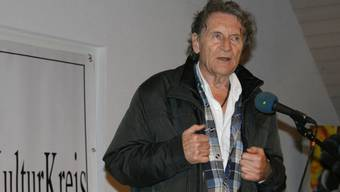 Michael Schacht alias Privatdetektiv Philip Maloney im Weinbaumuseum Tegerfelden.
